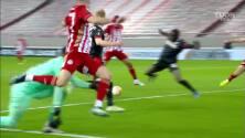 ¡Cayó el cuarto! Masouras puso el 4-2 sobre el PSV Eindhoven