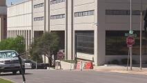 Demandan a la oficina del alguacil del condado Williamson por detención con uso excesivo de la fuerza