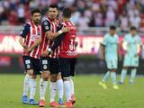 Chivas se mete entre los mejores ocho, aunque América vuela en lo alto