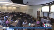 Jóvenes participan en la Cumbre de voto latino en Austin