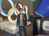 Rommel Pacheco presume kit de bienvenida en Tokyo 2020... ¡con celular incluido!