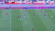 ¡GOL!  anota para Serbia. Aleksandar Mitrovic