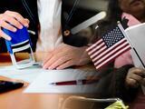 Notarios en la mira: se hacen pasar por expertos en inmigración, pero Fresno propone iniciativa para evitarlo
