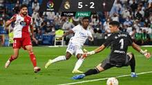 Feliz regreso al Bernabéu: Real Madrid golea con 'hat-trick' de Benzema