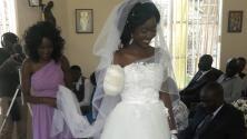 Un cocodrilo le arrancó el brazo, pero eso no impidió que se casara 5 días después