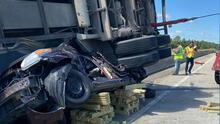 Lo que deja choque en la Interestatal 74 entre un auto y un camión remolque en Lumberton