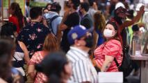 """""""Los números van para arriba"""": experto alerta por alarmante aumento de contagios con coronavirus en Los Ángeles"""