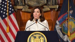 Gobernadora de Nueva York declara Estado de Emergencia por las fuertes lluvias que se avecinan