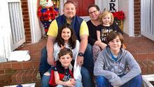 Un bombero y su esposa mueren de covid-19 con días de diferencia; dejan a cuatro niños