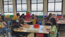 Distrito escolar de Oakland implementa la vacunación obligatoria entre estudiantes mayores de 12 años