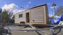 Estudiantes de ingeniería en California crearon casas utilizando energía solar
