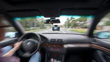 ¿Por qué violar las leyes de tránsito en California puede hacer que compañías de seguros de autos te cobren más?