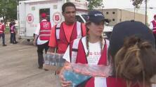 Ejército de Salvación reparte 10,000 comidas al día a los damnificados por Harvey