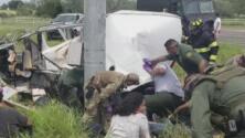 Tragedia en Texas por aparatoso accidente: Choque de van deja 10 muertos y 20 heridos