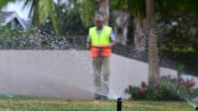 Residentes de Bakersfield podrían enfrentar penalidades por regar sus jardines