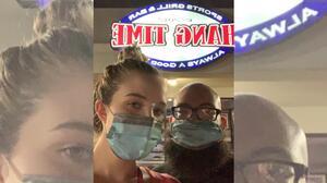 Echan a una pareja de un restaurante por usar mascarillas para proteger a su bebé contra el covid-19