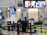 United Airlines presenta planes para suspender sin paga a 6,573 empleados en California