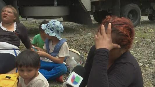"""""""El niño ya no aguanta"""": madre de niño que fue golpeado por la Guardia Nacional de México"""