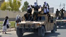 Tras la salida de EEUU, los talibanes celebran su victoria con un desfile militar por las calles de Kandahar