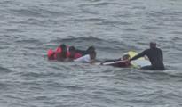Al menos una persona muerta y 10 rescatados tras hundimiento de bote en costas de San Diego