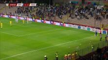 ¡GOL!  anota para Bosnia-Herzegovina. Luka Menalo