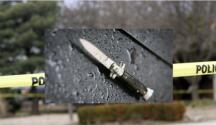 Adolescente muere apuñalado en un estacionamiento de Arlington High School