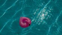 Muere niño de 3 años tras ser encontrado inconsciente en una piscina, según dice alguacil