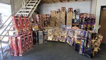 Oficina del alguacil de Kern decomisa más de 4,000 libras de fuegos artificiales ilegales