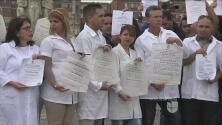 Médicos cubanos están varados en Colombia