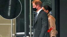Papá orgulloso: descubren que el príncipe Harry lleva impresa en su maletín una encantadora frase