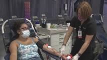 Participa como voluntario y acude a donar sangre en apoyo a hospitales del norte de California