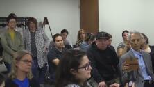 Grupo de padres de familia rechaza proyecto que eliminaría exenciones religiosas para la aplicación de vacunas