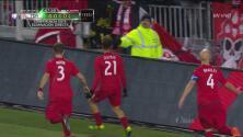 Jonathan Osorio aprovechó un error de Philadelphia para convertir el segundo gol del Toronto