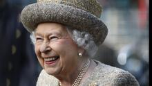 """La reina Isabel II pide busquen a alguien """"más adecuado"""" para 'La anciana del año', ¿qué refleja con su mensaje?"""
