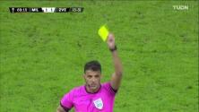 ¡Tarjeta Roja! Marko Gobeljic recibe la segunda amarilla y se va del juego.