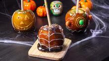 Manzanas cubiertas de Halloween