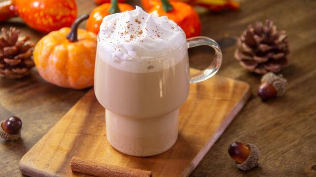 Pumpkin spice latte casero: la bebida más rica del otoño