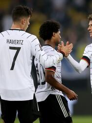 Serge Gnabry y Thomas Mueller le dan la alegría a la Alamenia y remontan 2-1 a Rumania.