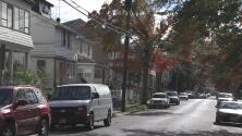 Autoridades buscan a un conductor que atropelló mortalmente a una joven y luego se dio a la fuga