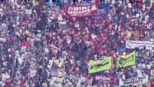 Miles de personas piden por los derechos de los trabajadores, de las mujeres y los inmigrantes en Los Ángeles