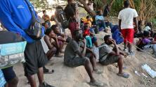 """""""Es una injusticia, estamos sufriendo"""": el drama de cientos de inmigrantes haitianos que permanecen en Ciudad Acuña"""
