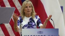 """""""Es seguro y efectivo"""": Jill Biden visita Dallas para promover la vacunación contra el coronavirus"""