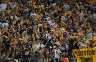 Brutal pelea entre fanáticos en estadio de Pittsburgh