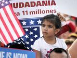Demócratas optimistas tras reunión para incluir reforma migratoria en plan de presupuesto