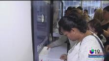 Extienden programa TPS para salvadoreños