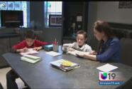 Mostrar interés en lo que tus hijos aprenden en la escuela podría garantizarles el éxito escolar