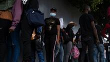 """México envía segundo vuelo de deportados a Haití bajo la política de """"migración segura"""""""