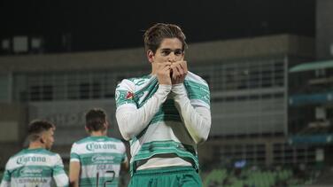 """Muñoz deja mensaje antes de partir: """"Llevo a Santos tatuado en mí"""""""