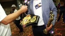 La AMB entregará cinturón especial y estatuilla a Mayweather o Pacquiao