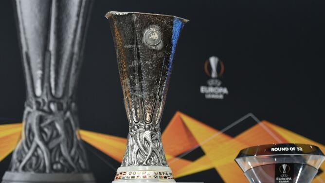 ¡Inicia la Europa League! 'Chucky' Lozano y Guardado levantan el telón
